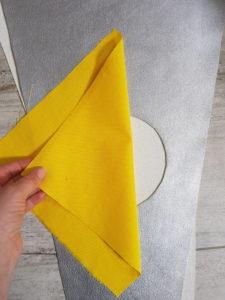 Schnittmuster und Beispielbild für die Schultüte